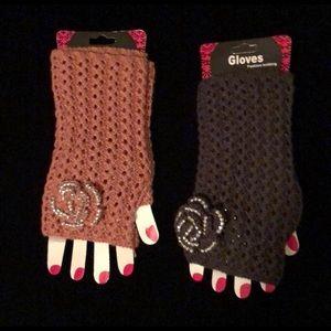 Fingerless pink gloves